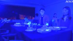 Zo snel verspreidt virus zich aan buffet in restaurant: na 30 minuten iedereen besmet