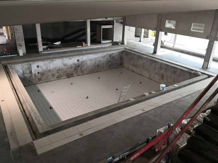 Het instructiebad in het nieuwe zwembad.