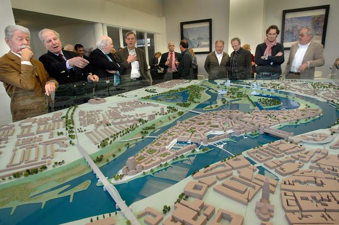 De maquette van het nooit uitgevoerde plan voor Stadsblokken-Meinerswijk van Phanos in 2009.