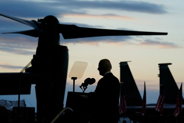President Joe Biden tijdens een toespraak afgelopen week op de Britse RAF-basis Mildenhall. Beeld AP