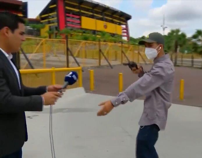 Vendredi dernier, un journaliste a été braqué en direct à Guayaquil, en Équateur.