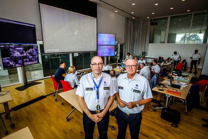 Korpschef Steve Desmet van politie Damme/Knokke-Heist en korpschef Dirk Van Nuffel van de Brugse politie