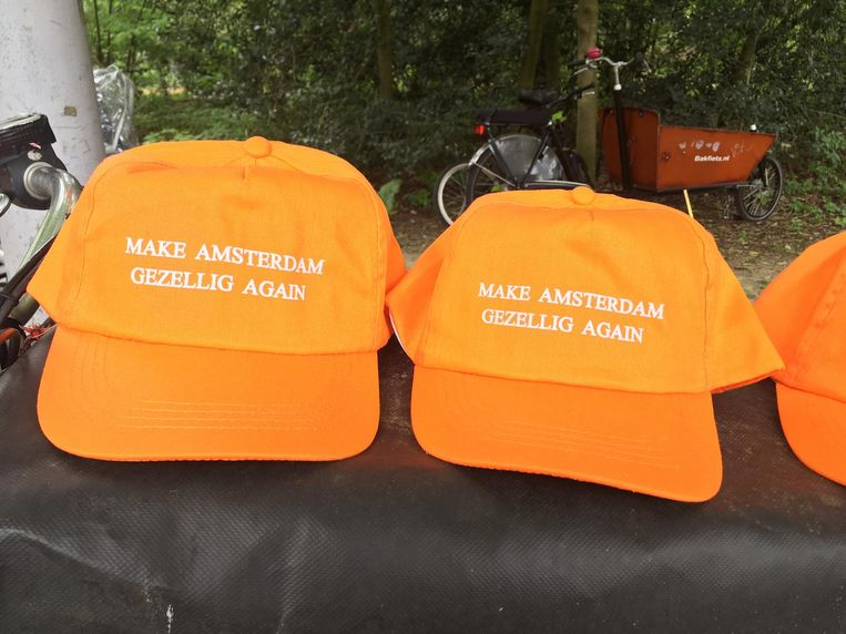 Make Amsterdam gezellig again Beeld Melle Bos