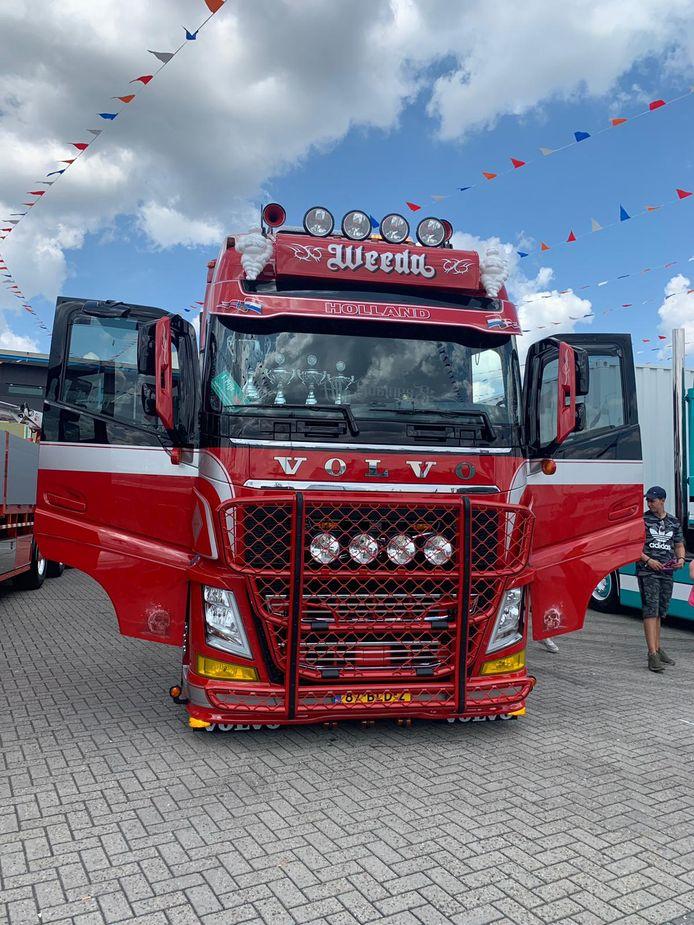 De rode truck van Rowdy Vogels uit Roosendaal won zondag de derde prijs.