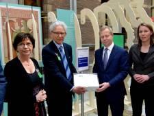 Zeeuwse actie tegen hondenbelasting krijgt steun van Henk Krol