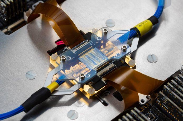 Een fotonische processor van het bedrijf Quix in Enschede.