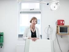 Bea stopt na 50 jaar als dokterassistent: 'Illusie dat ik het iedereen naar de zin kon maken ben ik verloren'