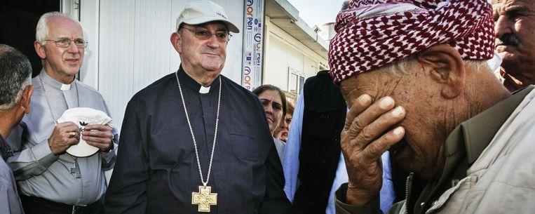 De bisschoppen ontmoeten vluchtelingen in het kamp Dawudiya in Dohuk. Beeld Tim Dirven