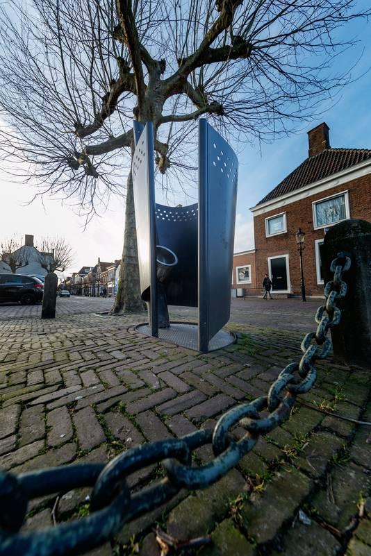 In de hele gemeente Moerdijk staat één openbare toilet: op de Markt in Zevenbergen.