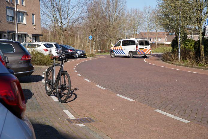Bij een aanrijding tussen twee fietsers in Zutphen liep één slachtoffer ernstig letsel op. De politie doet onderzoek naar het ongeval.