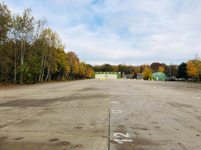 Een verlaten Hangar 17 dit jaar: geen kerstboom te bekennen