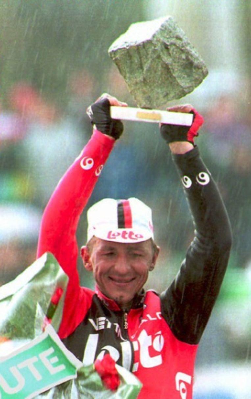 Andrei Tchmil won 25 jaar geleden Parijs-Roubaix.