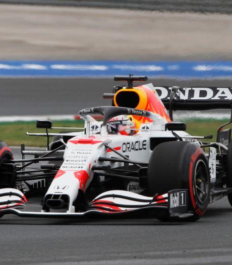 Verstappen start achter Bottas, Hamilton ondanks snelste tijd tien plekken teruggezet