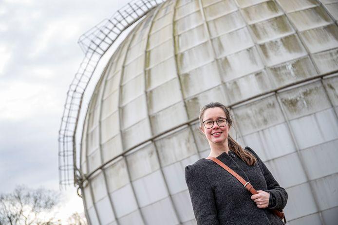 Kunstenares Heidi Linck is een crowdfunding campagne begonnen om een kunstproject over de Stingerbol te financieren.