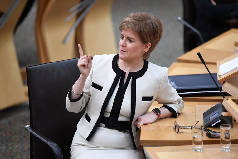 Nicola Sturgeon wordt door haar tegenstrever beschuldigd van machtsmisbruik. Beeld AFP