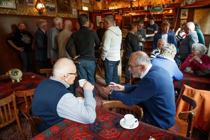 In café 't Zwijnshoofd kwamen de Bergse veteranen in 2019 ook bijeen.