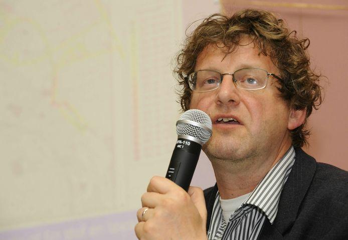 Dirk Van Duppen in 2009, toen hij voorzitter was van Geneeskunde voor het Volk.