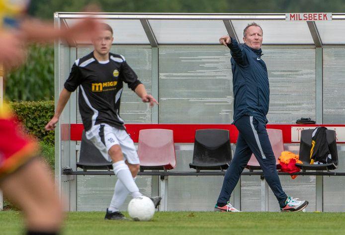 Patrick Pothuizen als trainer van Astrantia.