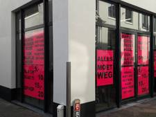 Kleding-outlet in Donkerstraat Harderwijk