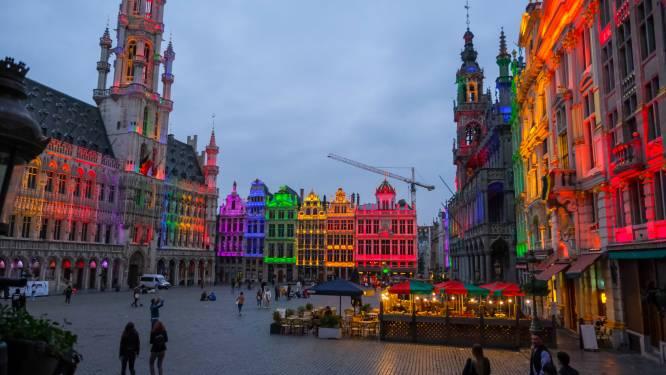"""""""Liefde is liefde"""": ook Brusselse Grote Markt in regenboogkleuren gehuld"""