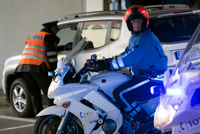 Contrôle de police, en mars