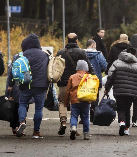Verhuizing vluchtelingen uit overvol Ter Apel naar Utrecht met minimaal één dag uitgesteld