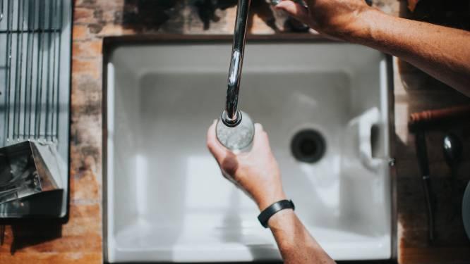 55-plussers hebben meer last van kraanwaterschaamte (ook al is dat nergens voor nodig)
