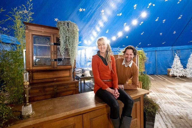 Joke Van Nieuwenhove (catering) en Koen De Vlieger (Kasteel d'Ursel) in de pop-upwinterbar.