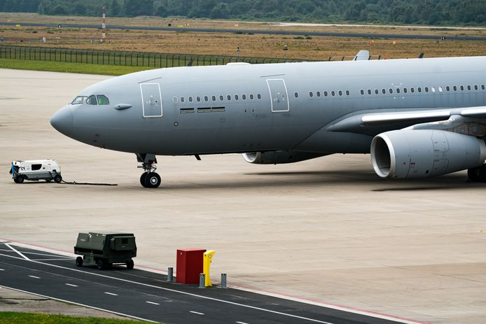 Foto ter illustratie. Dit toestel van de Koninklijke Luchtmacht werd eerder op Vliegbasis Eindhoven in gereedheid gebracht om naar Afghanistan te gaan en te helpen bij het vormen van een luchtbrug voor de evacuatie van Nederlanders in het land.