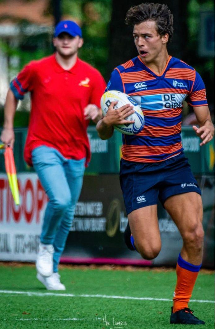 Het Millse rugbytalent Phil Toonen.