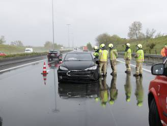Lange file op E17 na ongeval met Tesla