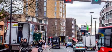 Deel politiek wil niet dat rijbaan Heuvelring weer wordt afgesloten: 'Eerst in debat'