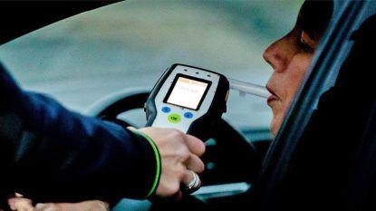 Slapende chauffeur onder invloed moet rijbewijs inleveren