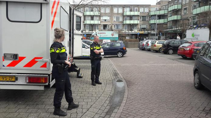 Extra politie in Leuvensbroek na de schietpartij in Nijmegen.