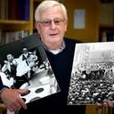 Felix Janssens met foto's voor zijn expositie bij zijn afscheid van het Brabants Dagblad.