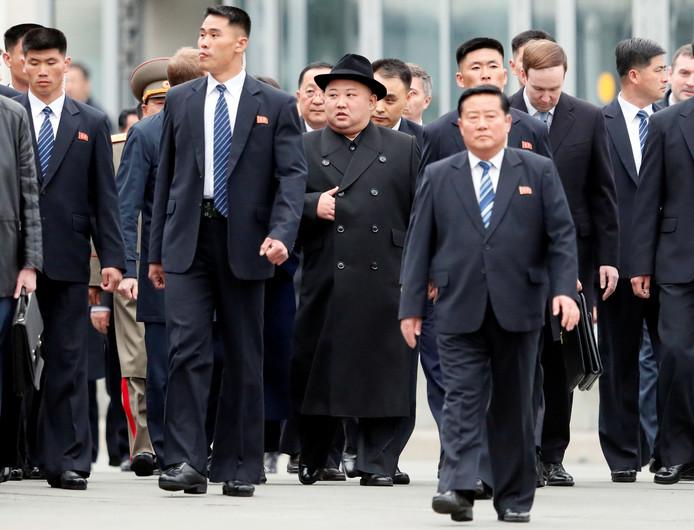 Kim Jong-un (middag) arriveert in de Oost-Russische stad Vladivostok. Vandaag spreekt hij met president Poetin.
