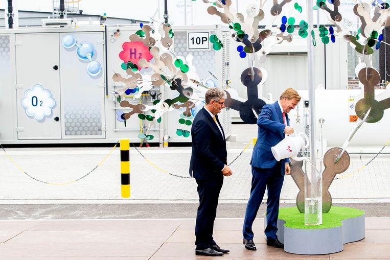 Koning Willem-Alexander bij de opening van de groene-waterstofinstallatie Hystock van Gasunie. Beeld ANP