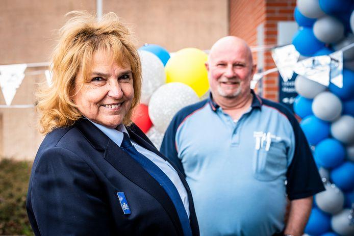 De gevangenis in Alphen bestaat 25 jaar. Petra (58) en Ruud (56) werken er al vanaf dag één.