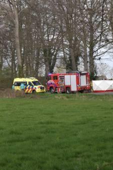 Slachtoffer geweld in Hengelo blijkt raadslid in Bronckhorst, man (80) die vlakbij verongelukte is vermoedelijk familie