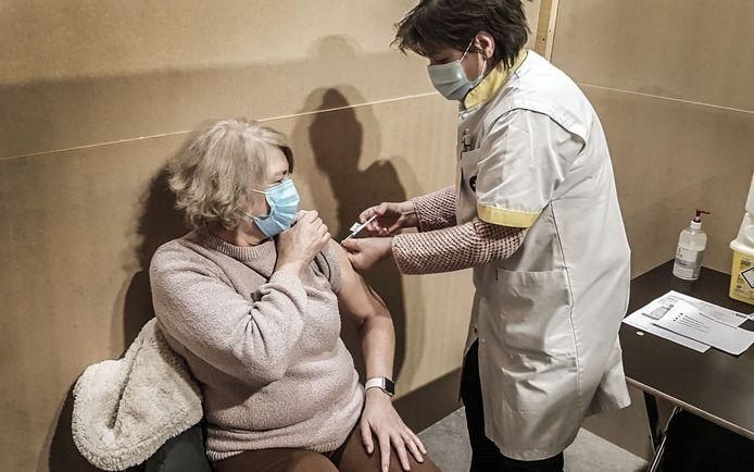 Ook in Ieper zijn de vaccinaties volop bezig: meer dan 16 procent van de Ieperlingen kreeg al een eerste prik.