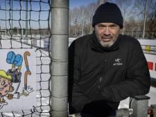 Rob had niets met hockey, maar is nu onmisbaar bij Victoria: 'Het begon als een grapje, hoor'