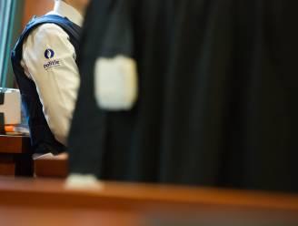 """40 maanden cel voor voetbaltrainer (56) na aanranding spelertje (9): """"Hij beloofde hem dat hij profvoetballer zou worden"""""""