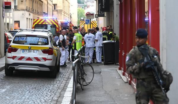 Lichtgewonden na in bomaanslag Lyon