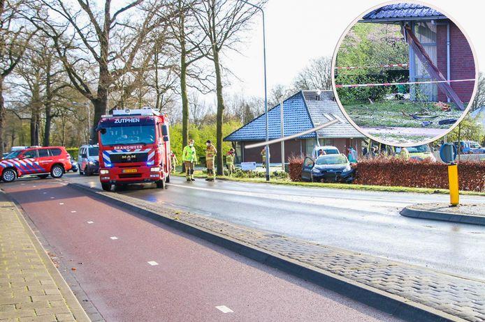 Op de Zutphensestraat in Brummen heeft woensdagochtend een ongeval plaatsgevonden, waarbij één auto door een heg is gereden.