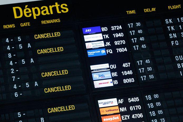 De staking zorgt voor vertraging en gecancelde vluchten.