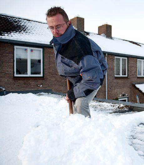 Lekkage op zolder door stuifsneeuw: 'Pas op voor dooi'
