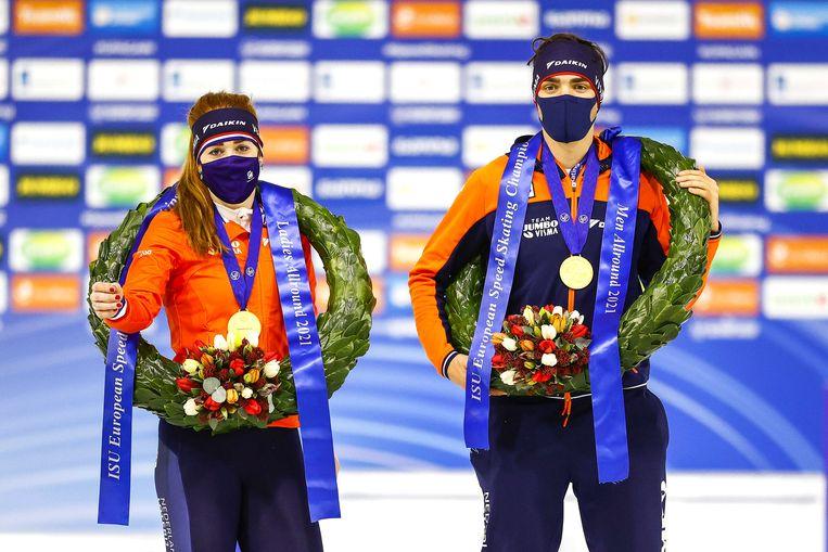 Antoinette de Jong en Patrick Roest, na het winnen van hun Europese titels. Beeld EPA