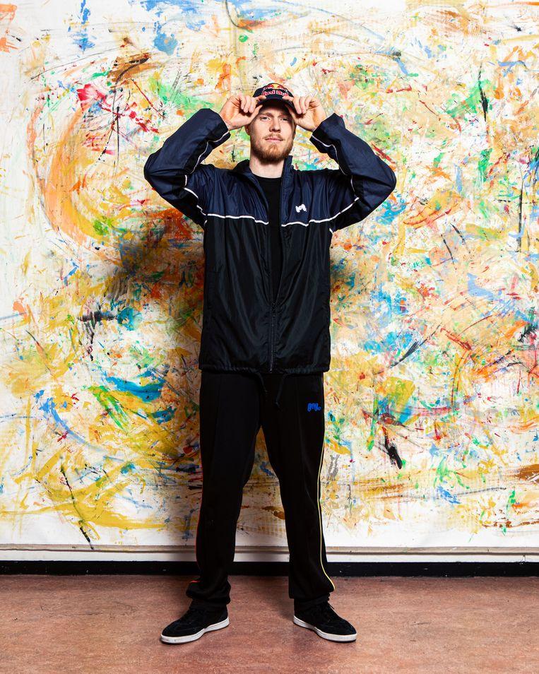Van Gorp in zijn studio in Rotterdam: 'Ik weet goed hoe ik dominantie moet uitstralen op de dansvloer.' Beeld Hilde Harshagen