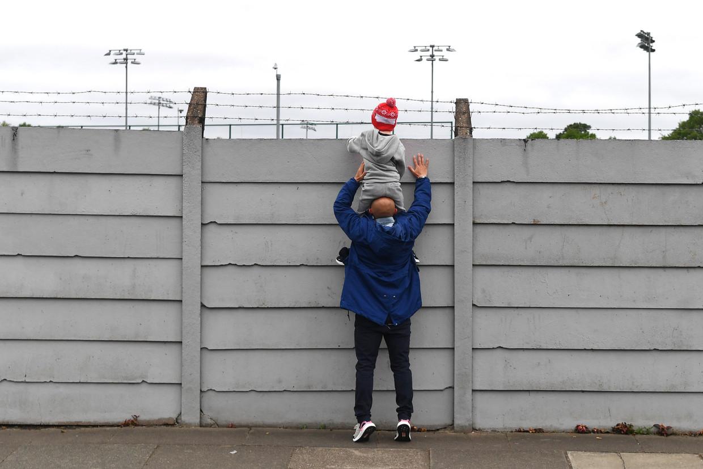 Even gluren naar de training van Liverpool. Nu Melwood de deuren sluit is die mogelijkheid voorbij. Beeld BELGAIMAGE/AFP