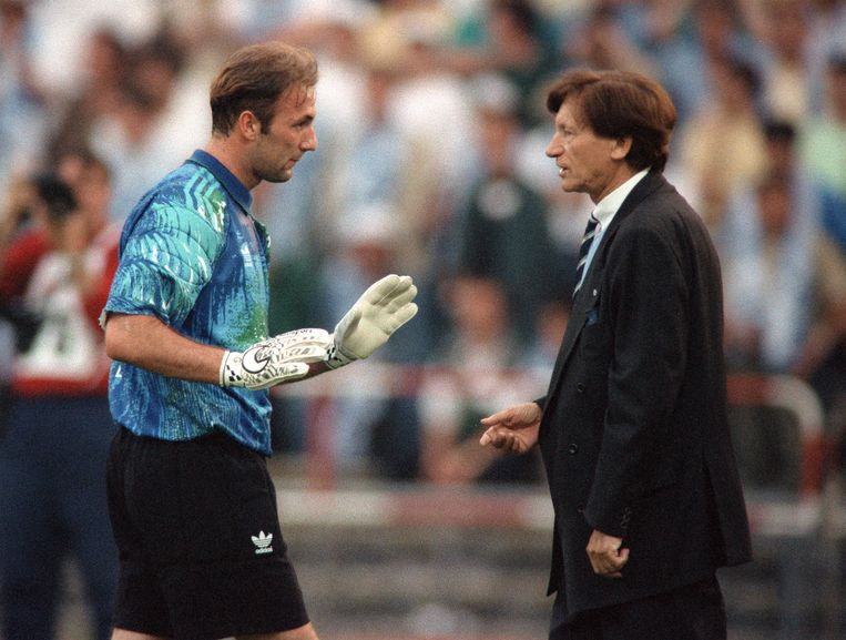 Olympique Marseille - AC Milan (1993, met Marseilletrainer Raymond Goethals). Beeld AFP
